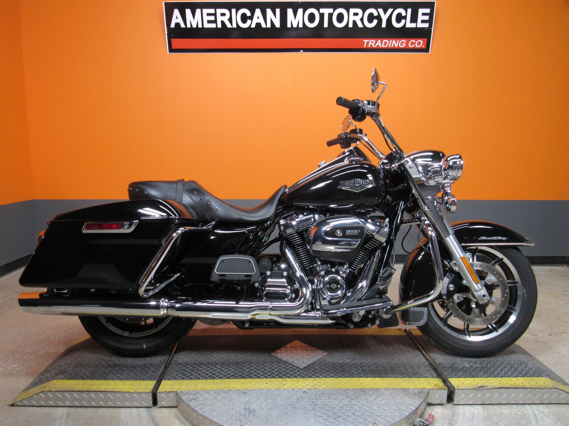 2018 harley davidson road king flhr