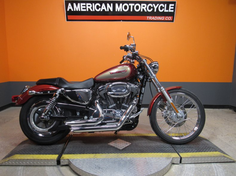 2009 Harley-Davidson Sportster 1200 Custom - XL1200C for