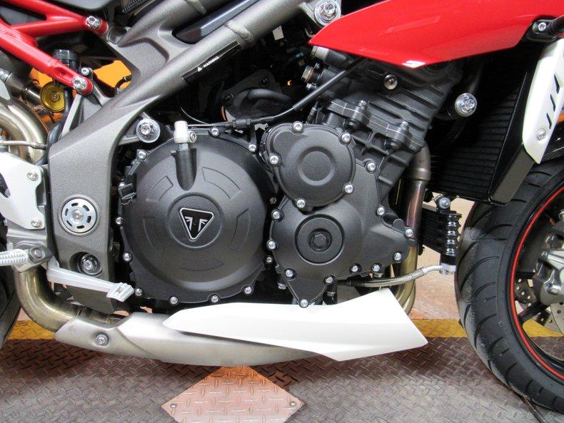 2016 Triumph Speed Triple R ABS
