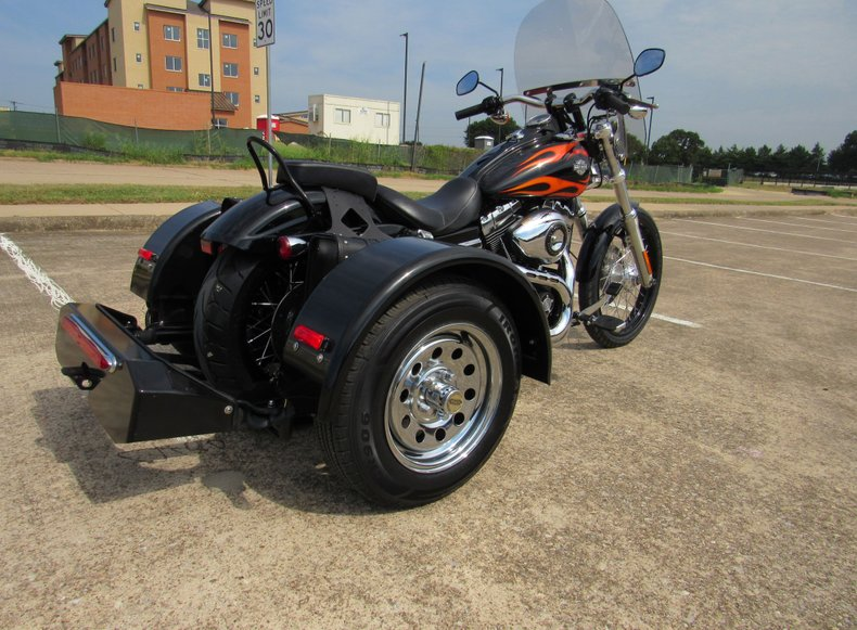 2011 Harley-Davidson Dyna Wide Glide -FXDWG w/ Voyager Conversion