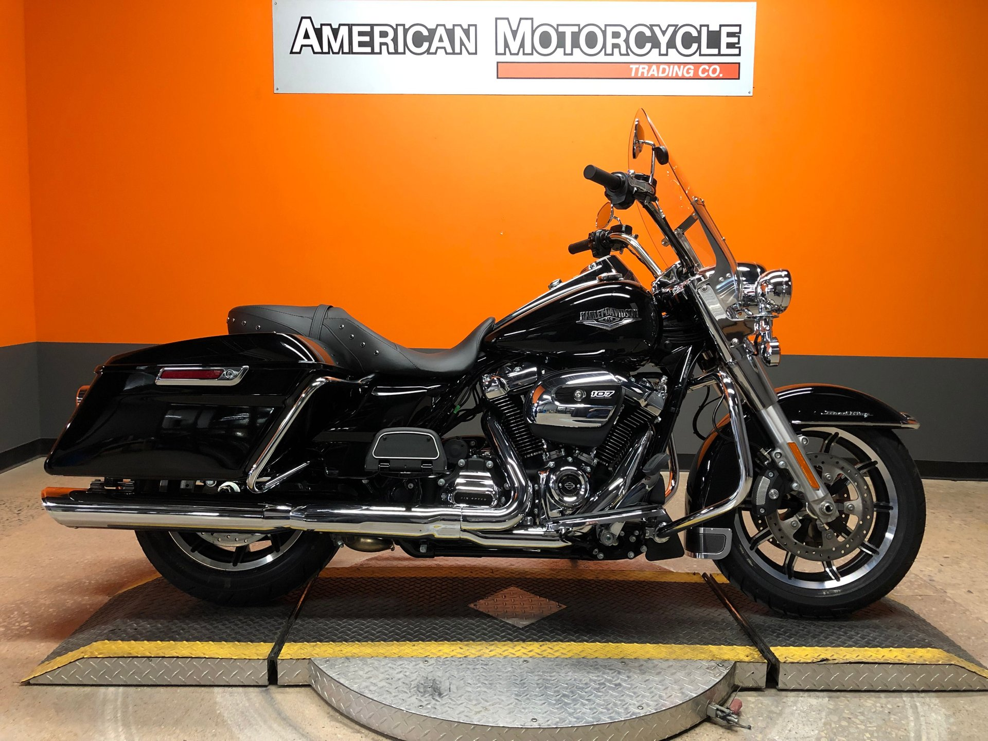 2019 harley davidson road king flhr
