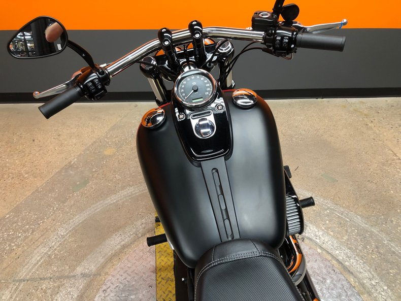 2016 Harley-Davidson Dyna Fat Bob