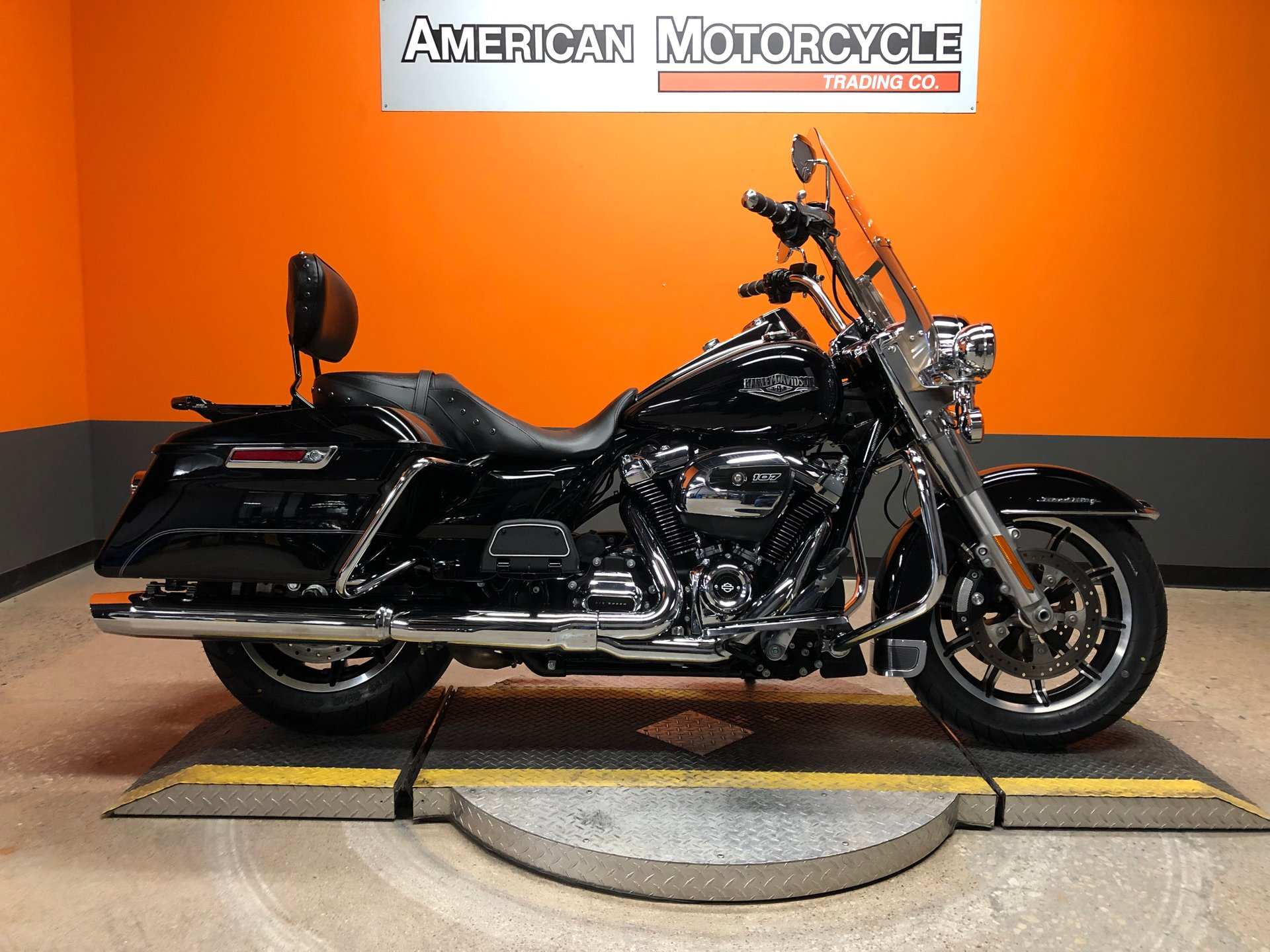 2017 harley davidson road king flhr