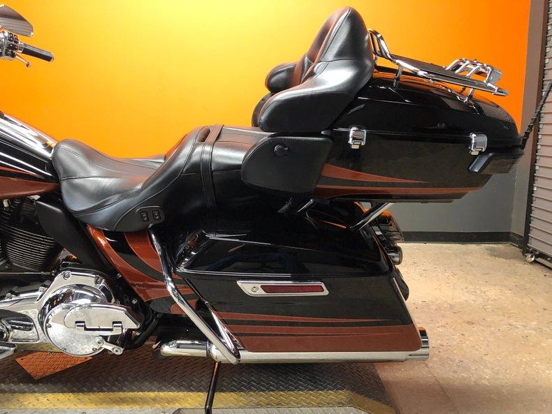 2015 Harley-Davidson CVO Road Glide Ultra