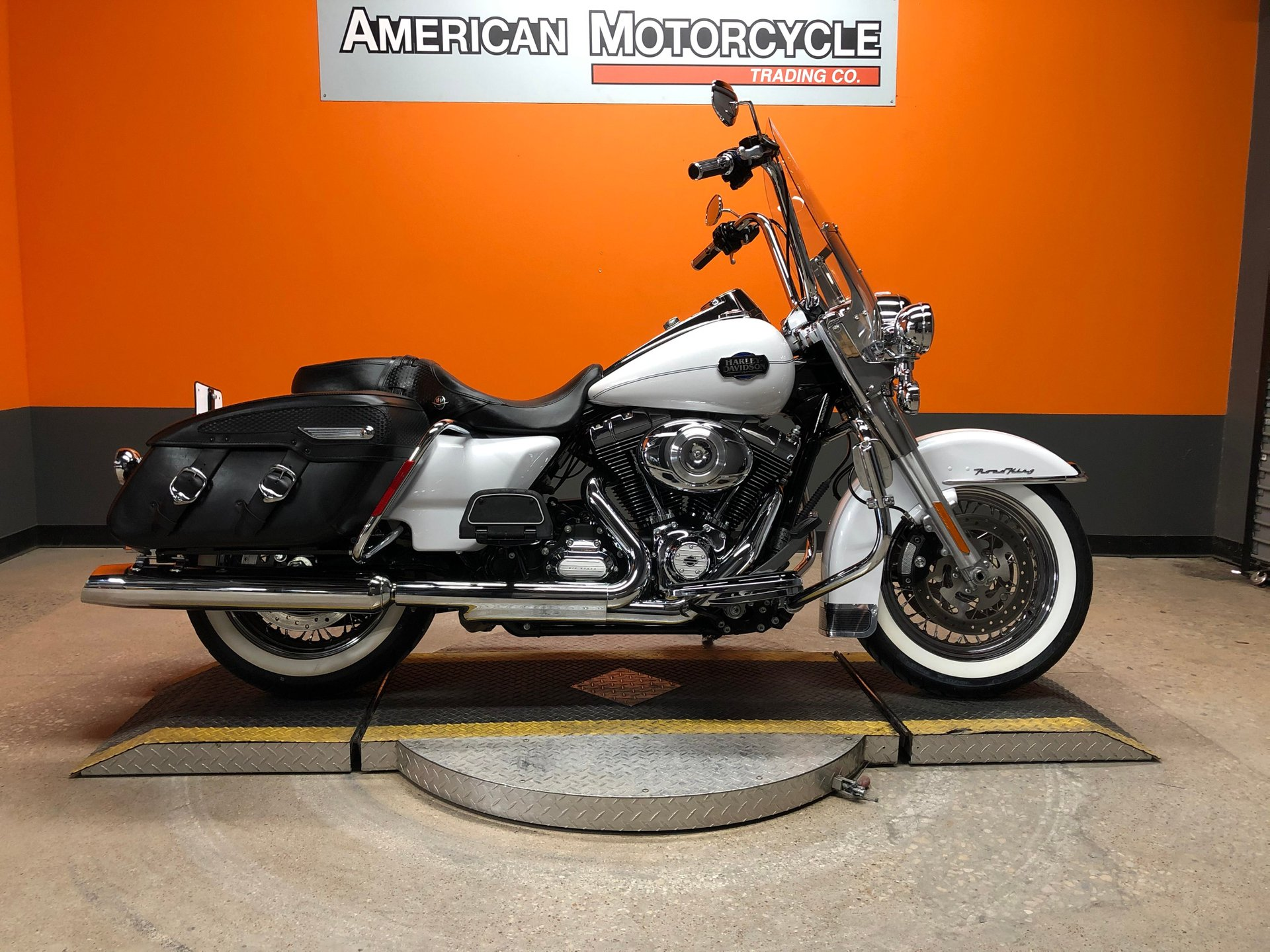 2012 harley davidson road king classic flhrc