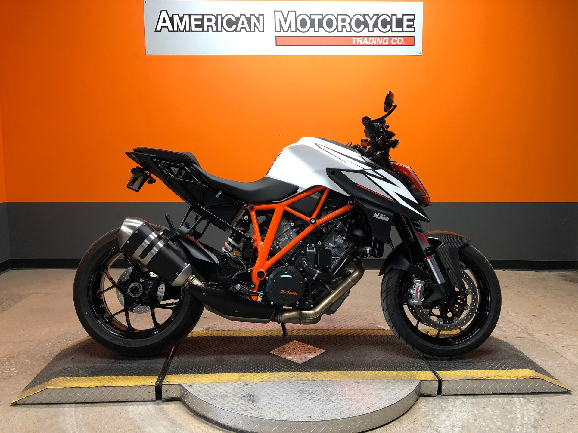 2019 ktm 1290 super duke r abs