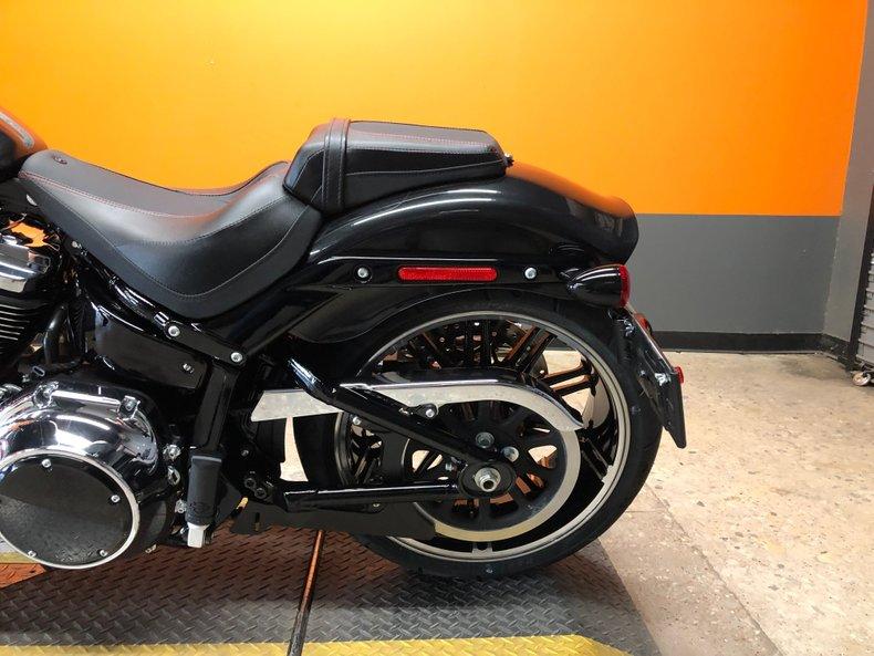 2018 Harley-Davidson Softail Breakout