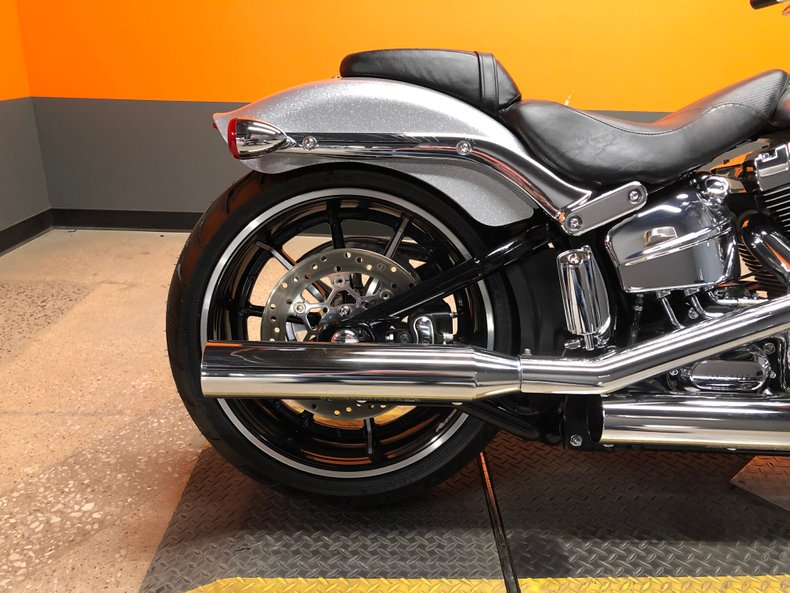 2015 Harley-Davidson Softail Breakout
