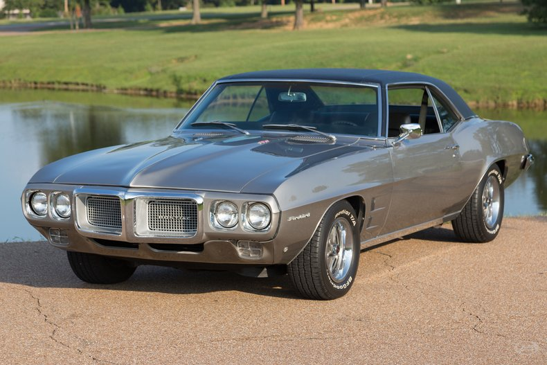 1969 Pontiac Firebird | Art & Speed Classic Car Gallery in