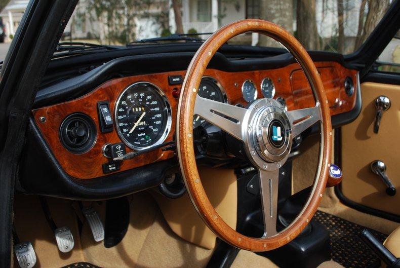 1974 Triumph TR6 44