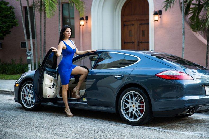 For Sale: 2010 Porsche Panamera