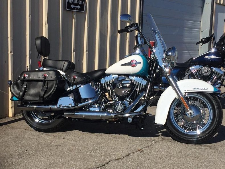 2016 Harley-Davidson FLSTC Heritage Softail Classic