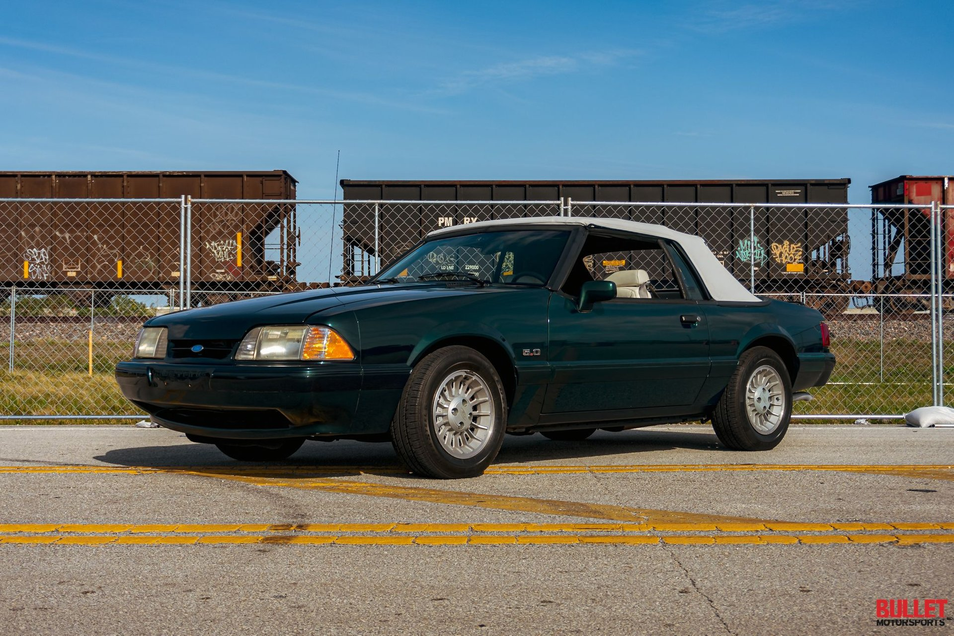 1990 ford mustang 7 up edition