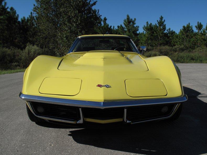 1969 Chevrolet Corvette 12