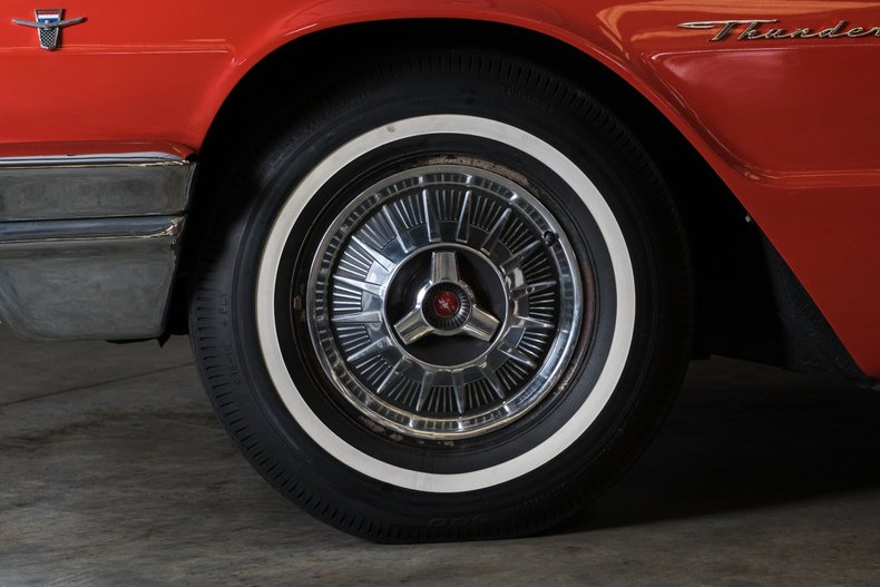 1964 Ford Thunderbird 19