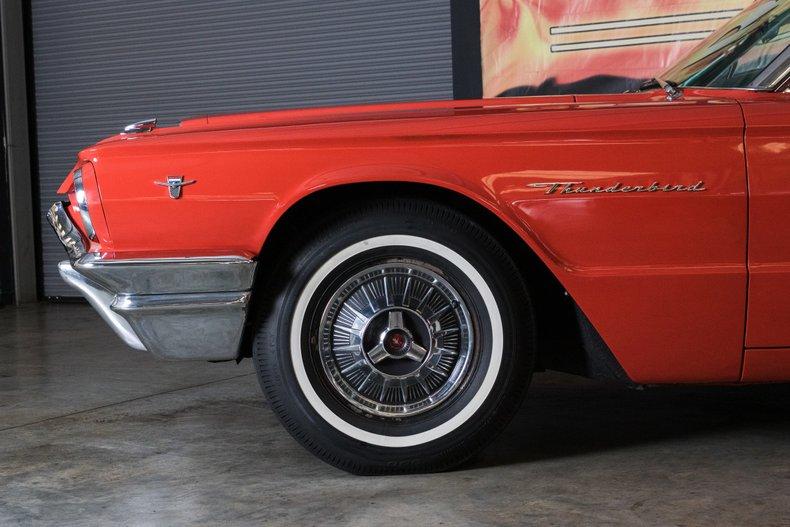 1964 Ford Thunderbird 18