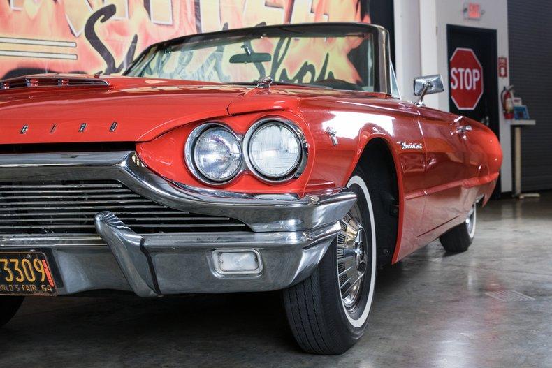 1964 Ford Thunderbird 3