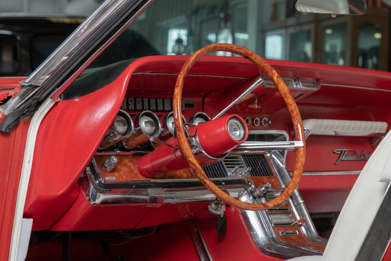 1964 Ford Thunderbird 27