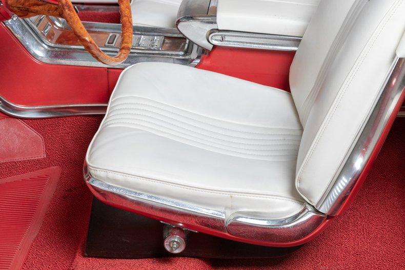 1964 Ford Thunderbird 40