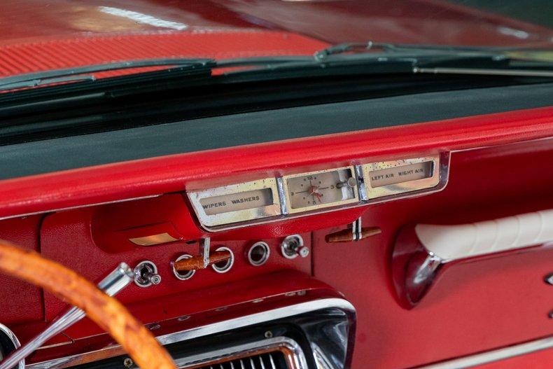 1964 Ford Thunderbird 30