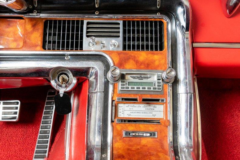 1964 Ford Thunderbird 32