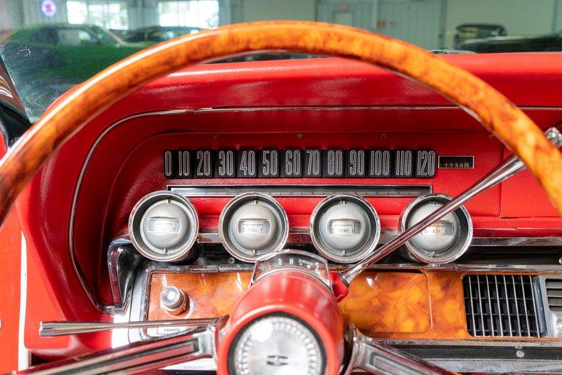1964 Ford Thunderbird 29