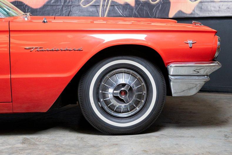 1964 Ford Thunderbird 23