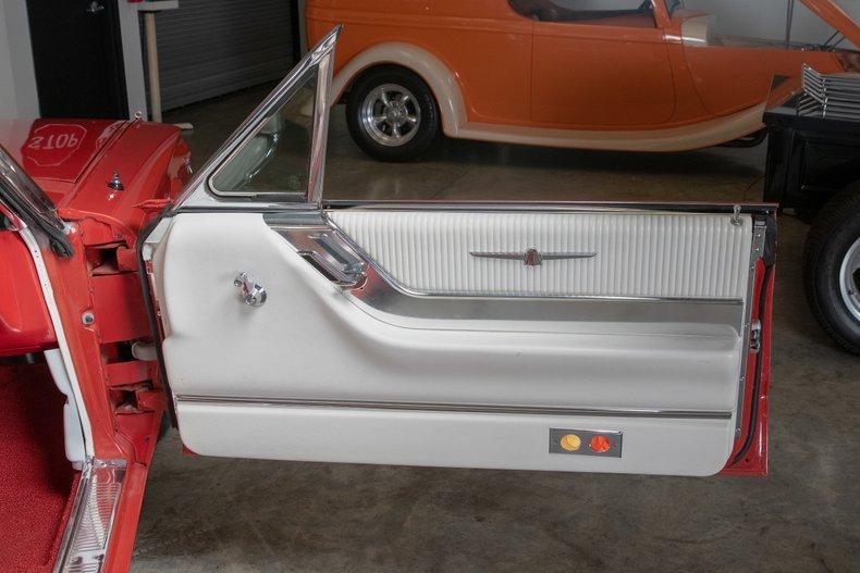 1964 Ford Thunderbird 43