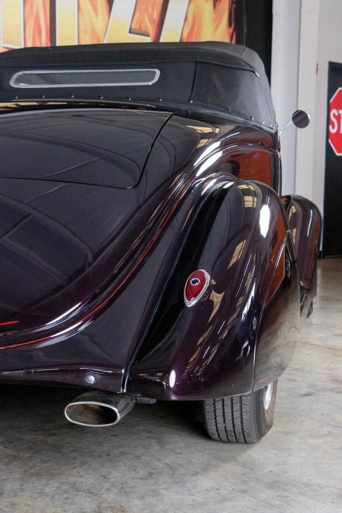 1936 Ford Cabriolet 12