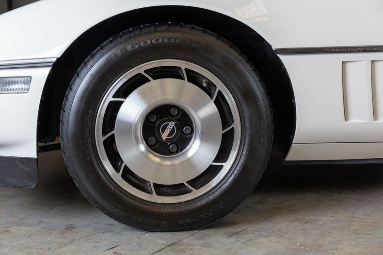 1985 Chevrolet Corvette 43