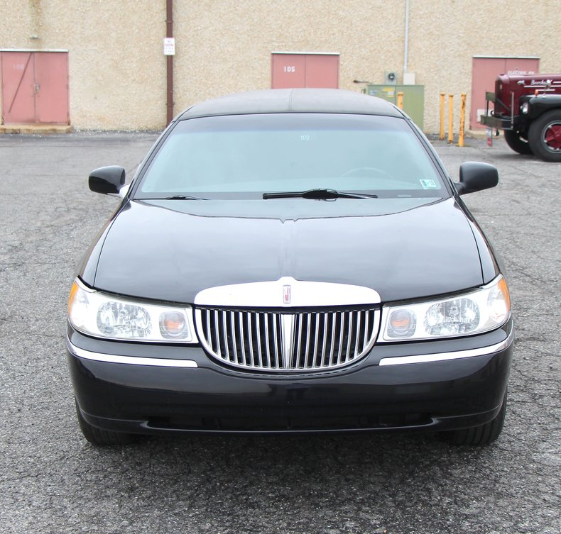 1999 Lincoln Continental 8
