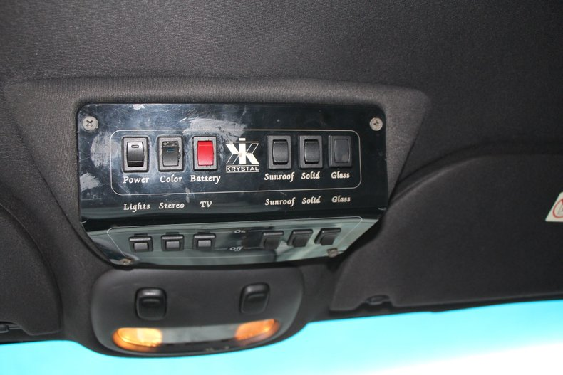 1999 Lincoln Continental 19