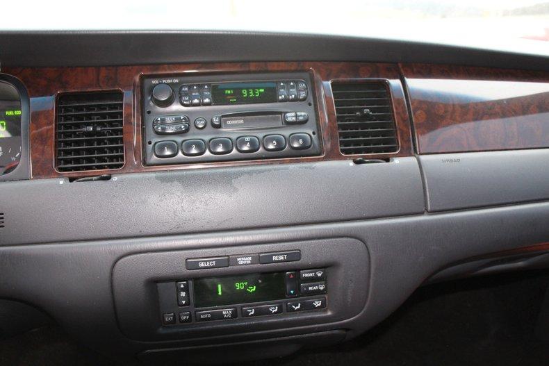 1999 Lincoln Continental 18