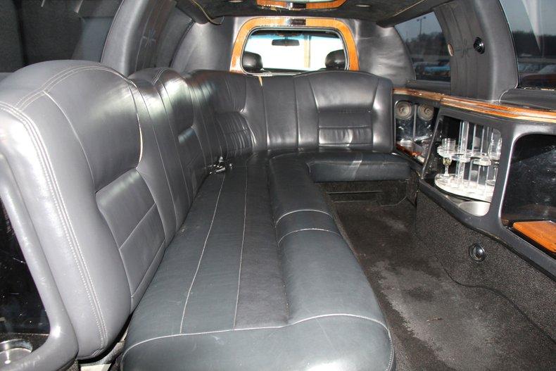 1999 Lincoln Continental 21