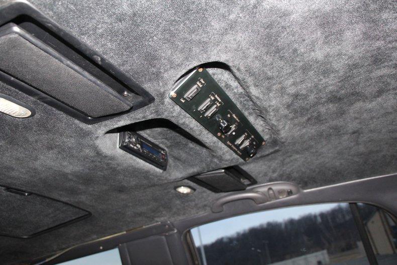 1999 Lincoln Continental 25
