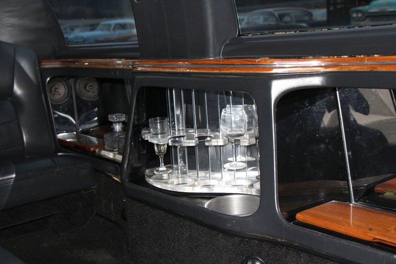 1999 Lincoln Continental 22
