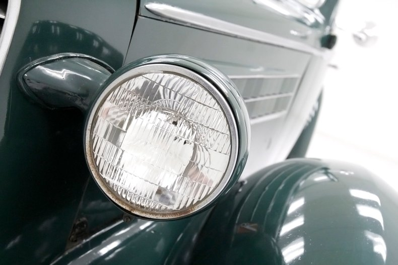 1936 Cadillac Fleetwood 10