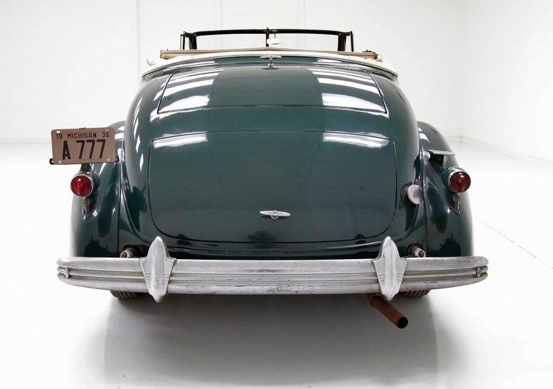 1936 Cadillac Fleetwood 4
