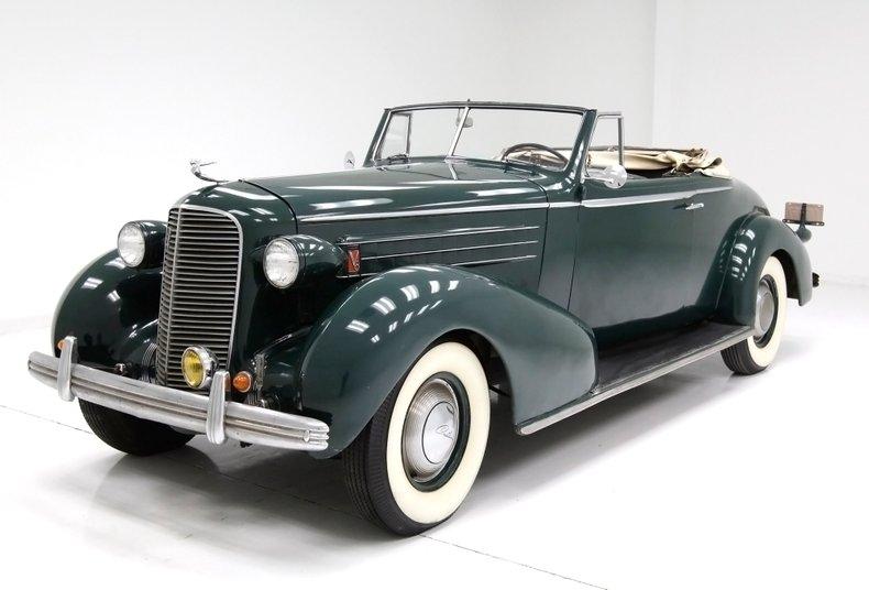 1936 Cadillac Fleetwood 1