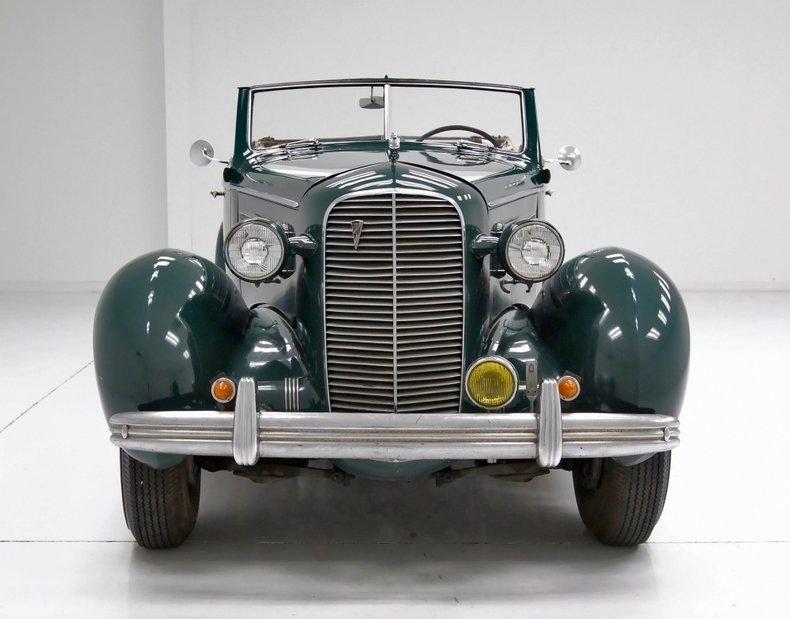 1936 Cadillac Fleetwood 9