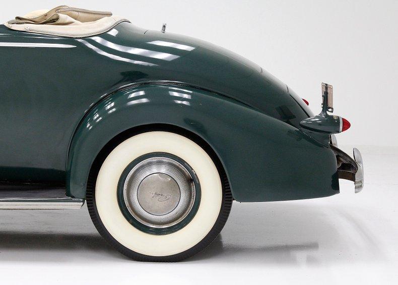 1936 Cadillac Fleetwood 19