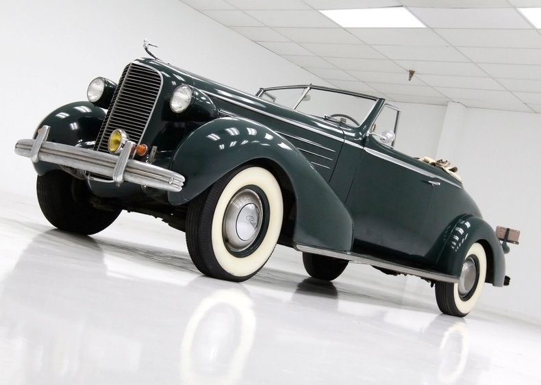 1936 Cadillac Fleetwood 5