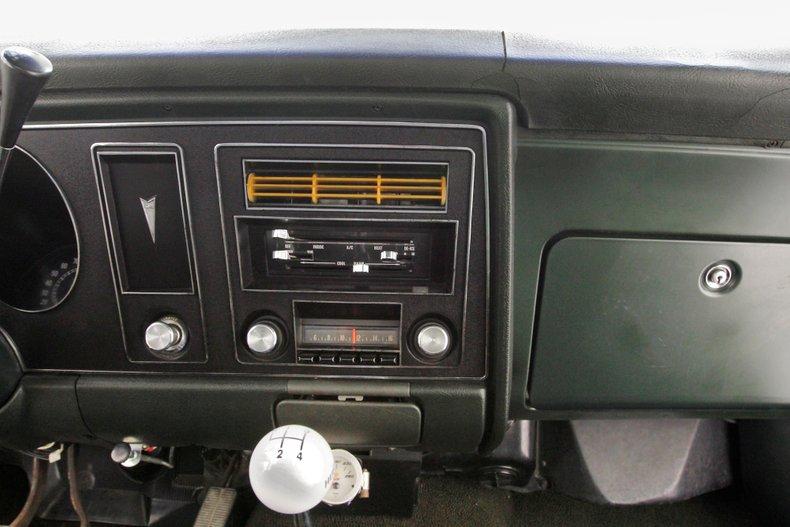 1969 Pontiac Firebird 32