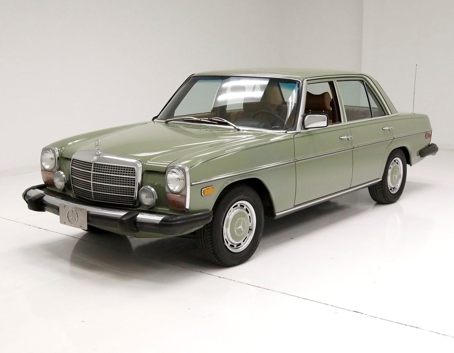 1975 Mercedes-Benz 240D