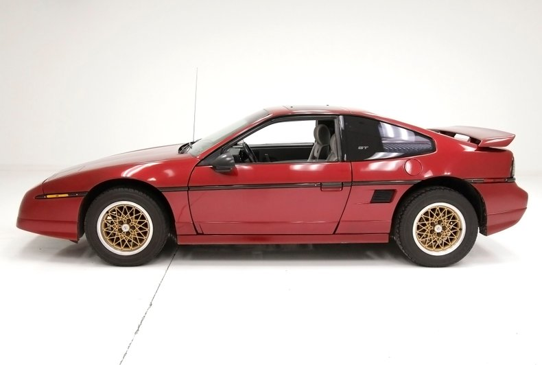 1987 Pontiac Fiero 2