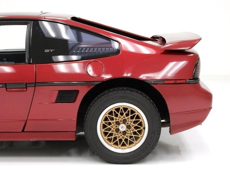 1987 Pontiac Fiero 17