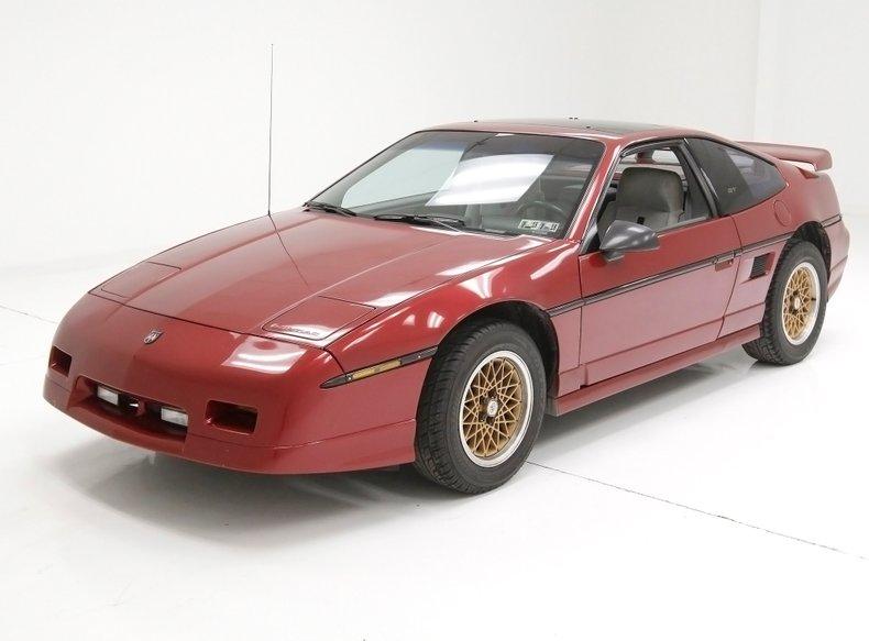 1987 Pontiac Fiero 1