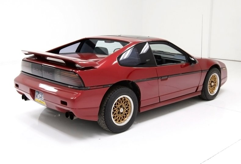 1987 Pontiac Fiero 7