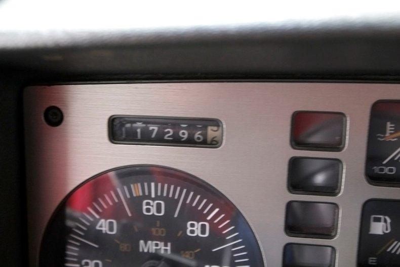 1987 Pontiac Fiero 30