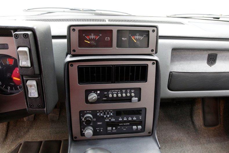 1987 Pontiac Fiero 29